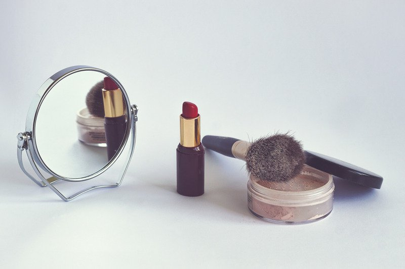 How To Not Suck At Makeup - clean and cruelty-free
